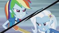 Rainbow Dash vs Trixie