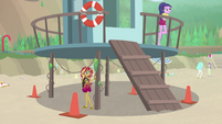 Sunset Shimmer under a lifeguard station EGFF
