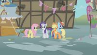 Twilight's friends in complete shock S1E10