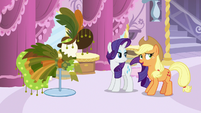 Applejack greatly relieved S7E9