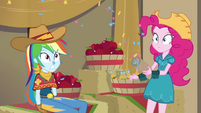 Pinkie Pie's party popper shoots confetti EGDS25