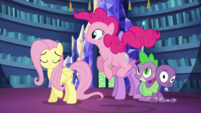 Pinkie Pie in mid-air S5E21