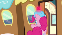 Pinkie Pie opening train door S2E24