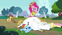 Pinkie trying to think of a word S4E10