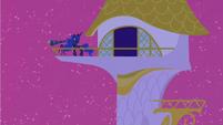Princess Luna hears something S2E25