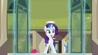 Rarity opens the door S6E3