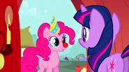 S01E25 Pinkie zaprasza Twilight