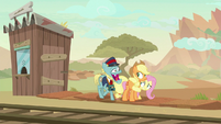 Ticket Taker Pony still laughing maniacally S8E23