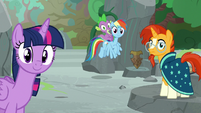 Twilight and friends hear Applejack's voice S7E25