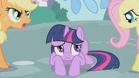 Twilight curled up S01E03