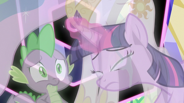 File:Twilight tearfully ends the third simulation S7E1.png