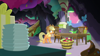 Applejack doesn't know how to leave the cave S7E23