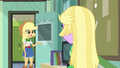 Applejack sees through Twilight's disguise EG.png