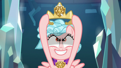 Cozy Glow raising a makeshift crown S8E25