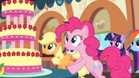 Pinkie looks at the Marzipan Mascarpone Meringue Madness S2E24