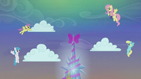 Ponies putting the cloudes in their places S06E08