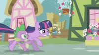 Twilight and Spike running away 2 S1E03