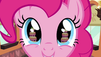 Cake in Pinkie's eye S2E24