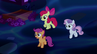 Cutie Mark Crusaders observe the Tantabus S5E13