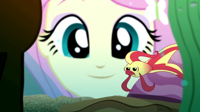 File:Fluttershy looking at a betta fish SS7.png