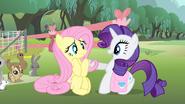 S04E14 Rarity proponuje przyjaciółce dołączenie do Ponytones