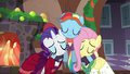 Snowdash hugging Merry and FlutterhollyS6E8.png