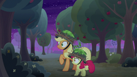 AJ and Apple Bloom hear a noise S9E10