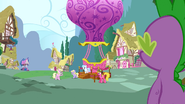 S03E09 Spike obserwuje balon