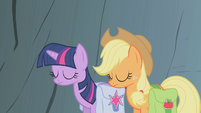 Twilight and Applejack shaking their heads S1E07
