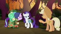 Fake Applejack -just look in a mirror- S8E13