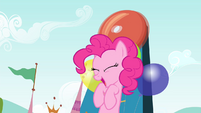 Pinkie's head hits the bell S4E23