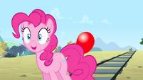 Pinkie Pie 'something floaty!' S4E11