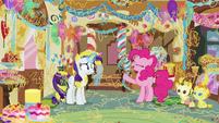 Pinkie Pie -it's super-sticky celebration string!- S7E19