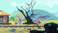 Pinkie Pie hopping after the balloon S4E11