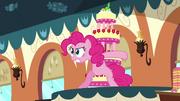 Pinkie Pie protecting the cake S2E24