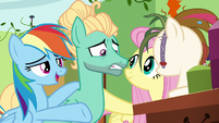 Rainbow singing -the next one will appear- S6E11