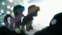 Starlight and Maud walk toward a bright light S7E4