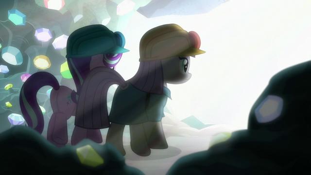 File:Starlight and Maud walk toward a bright light S7E4.png