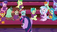 Twilight addressing her friendship class S8E17