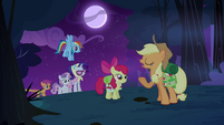 Applejack 'No need for tents tonight' S3E06