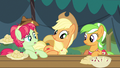Applejack pick up the pace S3E8.png