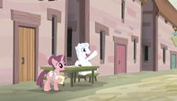 Double Diamond sits across from Mane Six S5E1