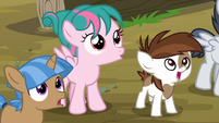 Foals watching Thunderlane fly off S7E21