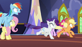 Main ponies hypnotized and running off S6E21.png