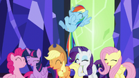 Mane Six laugh at Twilight's joke S5E22
