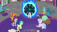 Neighsay stepping through the portal S8E26