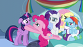 Pinkie Pie sad because Twilight isn't sad S5E5.png