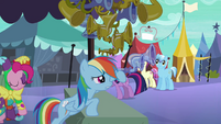 Rainbow Dash advertising flugelhorn S3E2