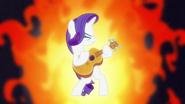S07E09 Rarity gra na gitarze Pinkie
