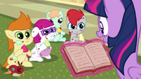 Sick foals listening as Twilight reads S7E3